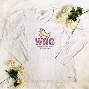 Women's wag and the whole world wags tee